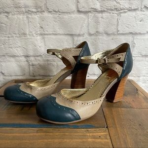 MIZ MOOZ Round Toe Ankle Strap Shoes with chunky Heels
